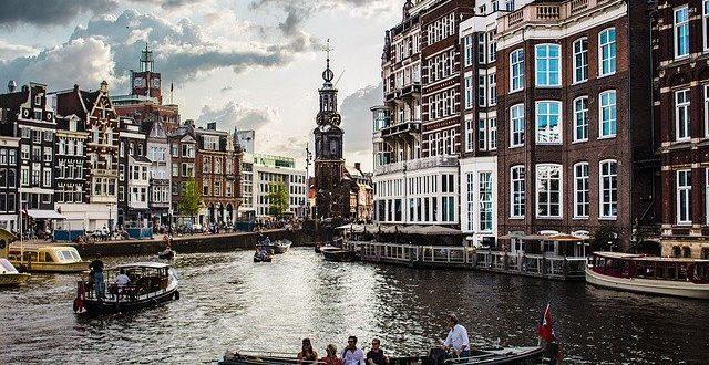 Hotel Amsterdam – nejen projížďka výletní loďkou